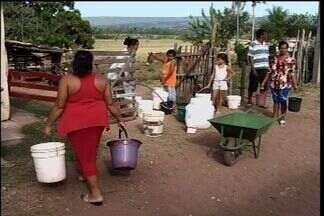 Comunidade no interior do Ceará sofre falta de água há 10 anos - Seca agrava situação dos açudes no Ceará.