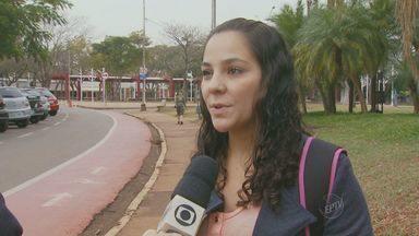 Moradores de Barão Geraldo protestam contra violência no distrito de Campinas - Moradores do distrito de Barão Geraldo, em Campinas (SP) protestaram contra a violência no distrito na quarta-feira (4). Ao menos 150 pessoas se reuniram em frente da Delegacia.