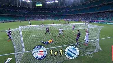 Cruzeiro conquista a quarta vitória como visitante no Brasileirão - Cruzeiro derrota o Bahia por 3 a 1 em Salvador