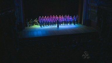 Evento de abertura do Intercom reúne congressistas no Teatro Amazonas - Abertura contou com apresentações regionais.Cerca de 2 mil pessoas do Brasil participam do Congresso.