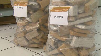 Operação da Polícia Rodoviária apreende 130 kg de maconha e leva para sede em Araraquara - Operação da Polícia Rodoviária apreende 130 kg de maconha e leva para sede em Araraquara