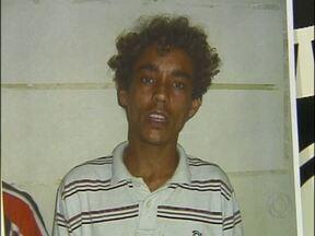 Polícia procura suspeito de atirar e matar homem em Foz - Crime foi registrado pelas câmeras de segurança do município