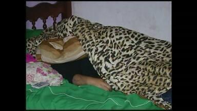 Mulher assassinada pelo marido é enterrada em Barra Mansa, RJ - Sepultamento aconteceu às 11h, no Cemitério Municipal da cidade. Ela foi morta no bairro Nova Pimavera, em Volta Redonda, RJ.