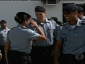 PM anuncia mudanças no comando de 25 UPPs - A Polícia Militar anunciou mudanças no comando de 25 das 34 unidades de polícia pacificadora. A PM também decidiu reforçar, com policiais da UPP, as operações nas comunidades onde ainda há a presença de traficantes.