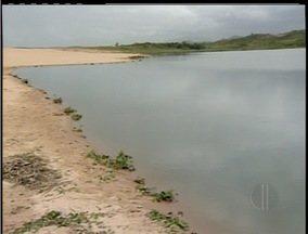 Poluição em lagoa é motivo de discussão em Macaé, RJ - Esgoto in natura é despejado na Lagoa de Imboassica.Moradores e turistas estão indignados com a situação.