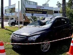 Guarda Municipal de Florianópolis faz campanha com carros envolvidos em acidentes - Guarda Municipal de Florianópolis faz campanha com carros que tiveram perda total em acidentes