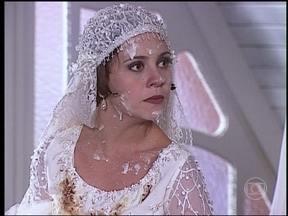 O Cravo e a Rosa - Capítulo de segunda-feira, dia 16/09/2013, na íntegra - Catarina se casa com Petruchio