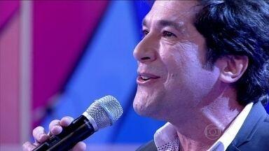 Daniel canta música da abertura de 'Amor à Vida' - Cantor solta a voz ao som de 'Maravida'