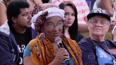 Mãe de Emicida narra a morte do marido no disco do cantor - Ela comenta a força necessária para superar dificuldades como essa