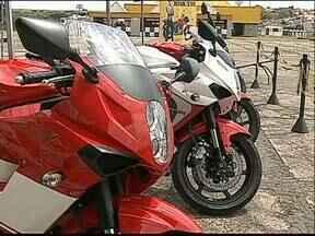 Easy Road traz motociclistas para Ponta Grossa - O evento começou na sexta-feira e termina amanhã com festival de bandas de rock.