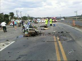 Homem morre em acidente na Rodovia Marechal Rondon, em Porto Feliz - Um homem morreu em um acidente na Rodovia Marechal Rondon, no trecho que fica entre as cidades de Tietê e Porto Feliz. O acidente foi no fim da tarde de sexta-feira (20).