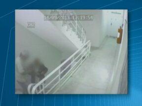Idosos são suspeitos de furtar apartamento na Zona Oeste - A polícia está investigando o crime, que ocorreu em Perdizes. Eles levaram vários objetos de valor, mas também talco e creme antirrugas. Por enquanto, ninguém foi preso. A polícia está tentando identificar os idosos.