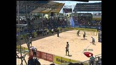 Vôlei de praia movimenta as areias de Camburi em Vitória - É a segunda etapa do circuito brasileiro de 2013 da modalidade.