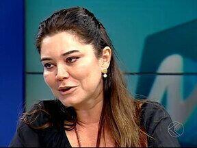 Cantora Renata Arruda se apresenta no Teatro Municipal de Uberlândia - Show faz parte do Projeto Canto de Todo Canto.Apresentação será a sexta do projeto e ocorre neste sábado (21).