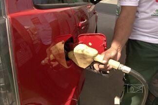 Motoristas aproveitaram para abastecer seus veículos, no 'Dia sem Impostos' - Eles puderam abastecer sem sentir no bolso o peso dos impostos da gasolina.