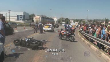 Motociclista morre após acidente com caminhão em Jaguariúna, SP - Um motociclista morreu no fim da manhã deste sábado (21) após se envolver em um acidente om um caminhão que transportava combustível, em Jaguariúna (SP). O motorista do veículo ficou ferido.