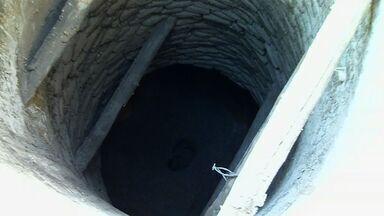 Homens são soterrados quando limpavam poço no município de Assaré - Moradores da comunidade levaram mais de cinco horas para resgatar os dois com vida.