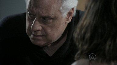 César garante a Aline que não deixará Pilar lhe tirar o hospital - Médico teme perder a presidência do San Magno para a ex-mulher