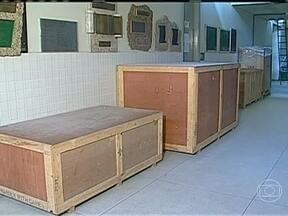 Equipamentos novos do Hospital da UFPB estão parados nos corredores - Entre as aquisições, estão aparelhos de raio-x, tomógrafo e mamógrafo. Os aparelhos custaram R$ 3,5 milhões e ainda não foram usados.