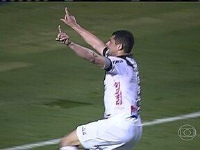 Confira os gols das Séries A e B do Brasileirão desta terça-feira (01) - Em Campinas, a Ponte Preta saiu na frente. Mas o Náutico reagiu e venceu de virada por 2 a 1. Pela Série B, o destaque foi mais uma vez o líder Palmeiras, que derrotou o Oeste-SP por 2 a 0. O Chapecoense, que está em segundo lugar, goleou o ASA-AL.