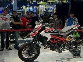 Novidades do Salão Duas Rodas investem em tecnologia - MW Agusta Rivale 800 tem nove níveis de controle de tração e Ducati Hypermotarad vem até com freio ABS variável.