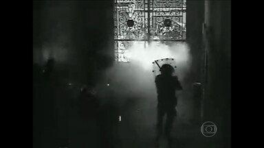 Câmeras flagram momentos fortes em manifestação no dia 17 de junho, no Rio - Fátima Bernardes relembra cenas registradas por câmera da Câmara de Vereadores