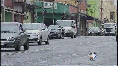 Prefeitura analisa retirar estacionamento de avenida de Ribeirão - Avenida Dom Pedro foi colocada em lista de votação para retirada de estacionamento