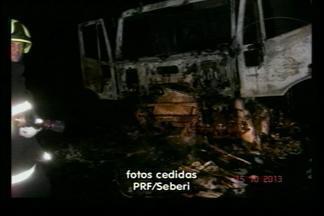 Carreta pega fogo na BR-386, em Seberi - O motorista relatou que pode ter sido problema mecânico. Ninguém ficou ferido.