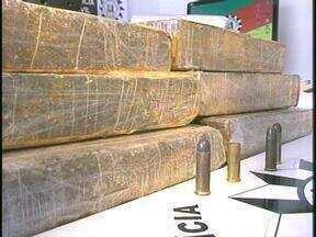 Homem é preso com 11 quilos de maconha em Rio Grande, RS - Além da droga, foram apreendidos munições, balança e veículo.