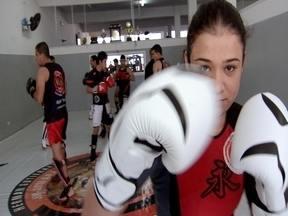 Força pura - Naty bate um papo com a Éricka, a promessa feminina do MMA!