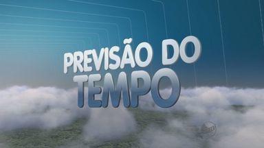 Previsão do Tempo – 19/10/2013 – Ribeirão Preto e região - Massa de ar seco causa dia de sol e céu limpo.