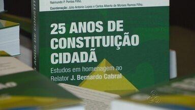 Lançado em Manaus livro que marca os 25 anos da Constituição Federal - Relator da Constituição, ex-Senador Bernardo Cabral, recebeu homenagens.