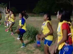 Meninas do Tiradentes embarcam para Vitória-ES para 2ª fase do brasileiro - Meninas do Tiradentes embarcam para Vitória-ES para 2ª fase do brasileiro