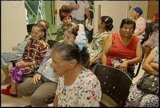 Cerca de 40 mulheres que vivem em um asilo fizeram exame de prevenção ao câncer - Atendimento especial feito no hospital Dilson Godinho faz parte das comemorações do 'Outubro Rosa'.