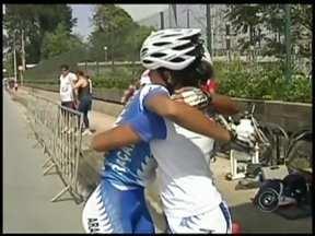 Meninas do ciclismo de Araçatuba se destacam nos Jogos Abertos do Interior - As meninas do ciclismo de Araçatuba (SP) se destacaram mais uma vez nos jogos abertos de Mogi das Cruzes (SP). A equipe está em segundo lugar na classificação geral e sonha com o título da competição.