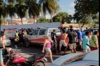 Vigilante morre durante assalto no Bairro Luciano Cavalcante - Segundo a polícia, o vigilante foi morto com três tiros na cabeça.