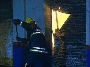Loja de móveis é destruída por incêndio - Loja é uma das mais tradicionais de Maringá.