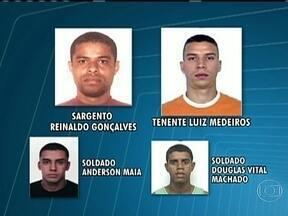 MP denuncia 15 PMs da UPP da Rocinha por desaparecimento de Amarildo - O MP denunciou outros 15 PMs por participação no desaparecimento de Amarildo. De acordo com as investigações, pelo menos quatro policiais militares participaram da tortura ao ajudante de pedreiro.