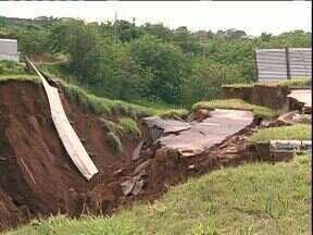 Temporal causa estragos em várias cidades do Estado - Umuarama foi uma das cidades mais atingidas.