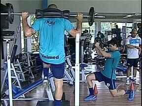 Tubarão recebe jogadores e já se aquece para a temporada 2014 - Atletas que já chegaram começaram as atividades para recuperar a forma física.