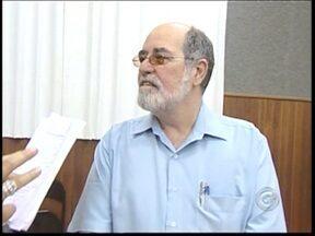 Maestro Antonio Carlos morre em Piracicaba - Ele foi diretor do Conservatório de Tatuí de 1984 a 2008. O maestro e compositor, que também já foi vereador, estava internado há três semanas na UTI de um hospital em Piracicaba (SP) depois de ter sofrido um infarto.