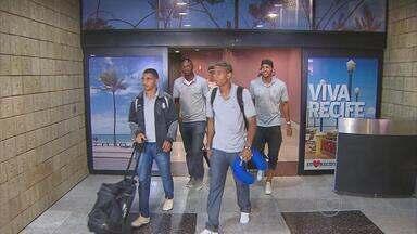 Santa Cruz volta ao Recife sem saber quem irá enfrentar nas quartas de final - Partida contra o Mogi Mirim foi suspensa por decisão judicial.