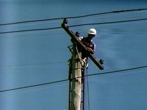 Agricultores de Barão do Cotegipe, RS, tiveram prejuízos por causa da falta de luz - Temporal deixou famílias sem luz por mais de 30 horas.