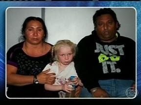 DNA comprova que menina detida com ciganos na Grécia é de família na Bulgária - A menina chamou a atenção por não ter nenhuma semelhança com o casal que detinha a custódia. Ela teria sido vendida pelos verdadeiros pais pelo equivalente a R$ 750.