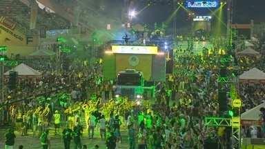 Primeira noite do Boi Manaus 2013 reúne 40 mil pessoas no Sambódromo da capital - Festa faz parte das comemorações pelo aniversário de 344 anos de Manaus.