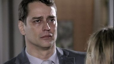 Eron confirma a traição e deixa Niko arrasado - Amarilys pede para o advogado ir embora com ela e Fabrício