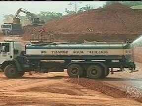 Justiça suspende obras da hidrelétrica de Belo Monte - O Tribunal Regional Federal determinou a suspensão da obra e do licenciamento ambiental de Belo Monte. A decisão também proíbe o BNDES de continuar financiando o empreendimento.