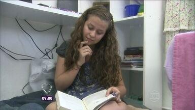Filha de 11 anos manda carta pedindo transformação para a mamãe - 'Minha mãe anda muito desgastada', justifica a garotinha