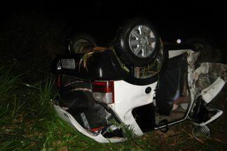 Dois acidentes são registrados na última segunda na BR-101 perto de Itamaraju - Em um dos acidentes, uma pessoa morreu e duas ficaram feridas.