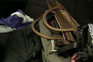 """Grupo suspeito de fazer arrastões em ônibus é preso em Luziânia - De acordo com a Polícia Civil, passageiros do transporte coletivo eram o alvo. Os suspeitos fizeram um """"limpa"""" em mais de dez pontos de ônibus."""